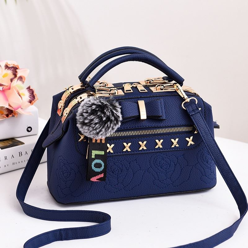 B0007 JKT IDR.183.000 MATERIAL PU SIZE L25.5XH14XW13CM WEIGHT 650GR COLOR BLUE