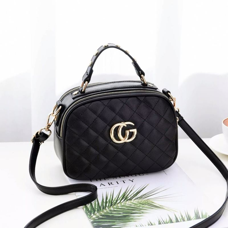 B0023 JKT IDR.162.000 MATERIAL PU SIZE L21.5XH16.5XW11CM WEIGHT 550GR COLOR BLACK