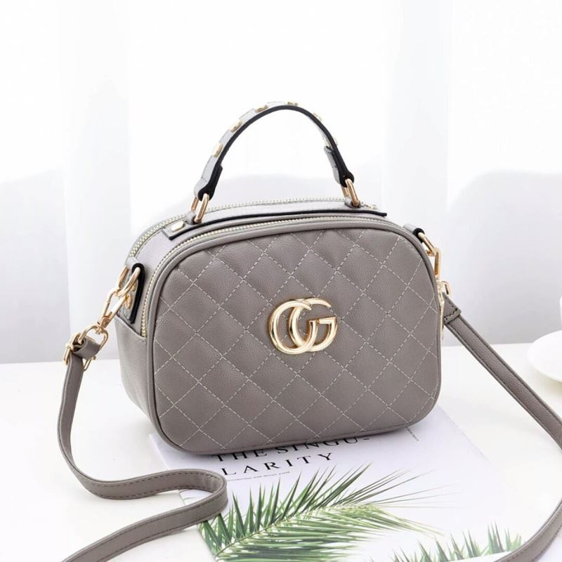 B0023 JKT IDR.162.000 MATERIAL PU SIZE L21.5XH16.5XW11CM WEIGHT 550GR COLOR GRAY
