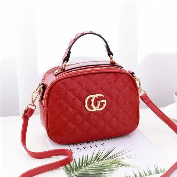 B0023 JKT IDR.162.000 MATERIAL PU SIZE L21.5XH16.5XW11CM WEIGHT 550GR COLOR RED