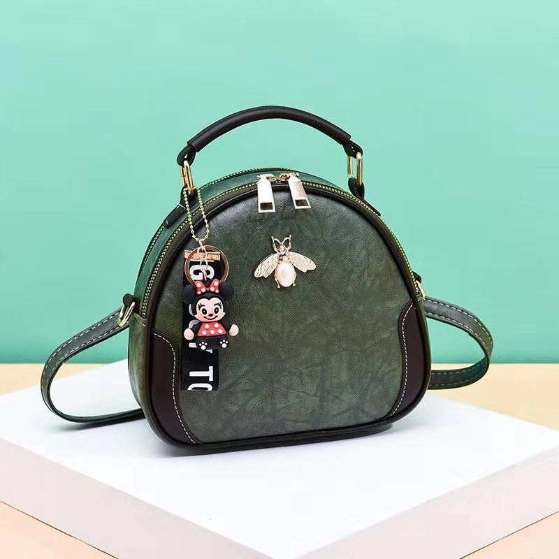 B0025 JKT IDR.150.000 MATERIAL PU SIZE L20.5XH19XW10.5CM WEIGHT 550GR COLOR GREEN