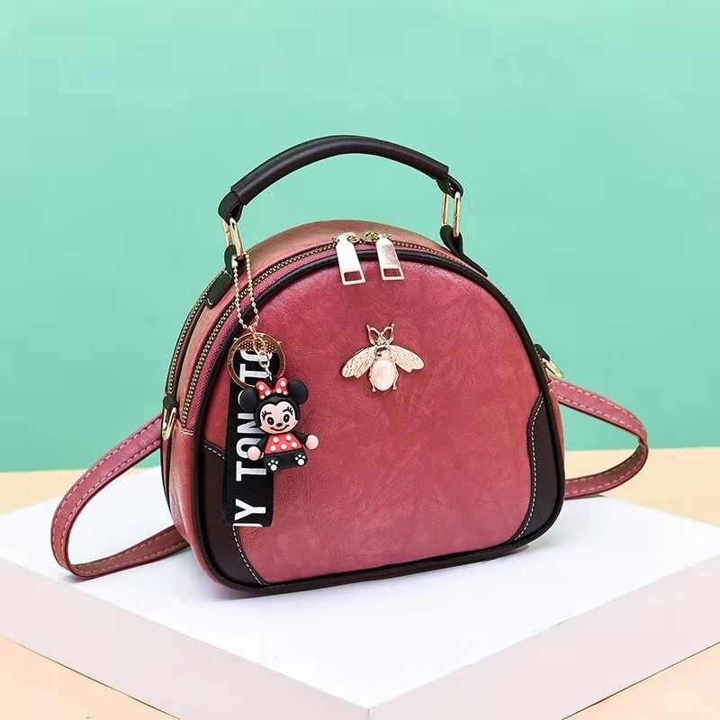 B0025 JKT IDR.150.000 MATERIAL PU SIZE L20.5XH19XW10.5CM WEIGHT 550GR COLOR PINK