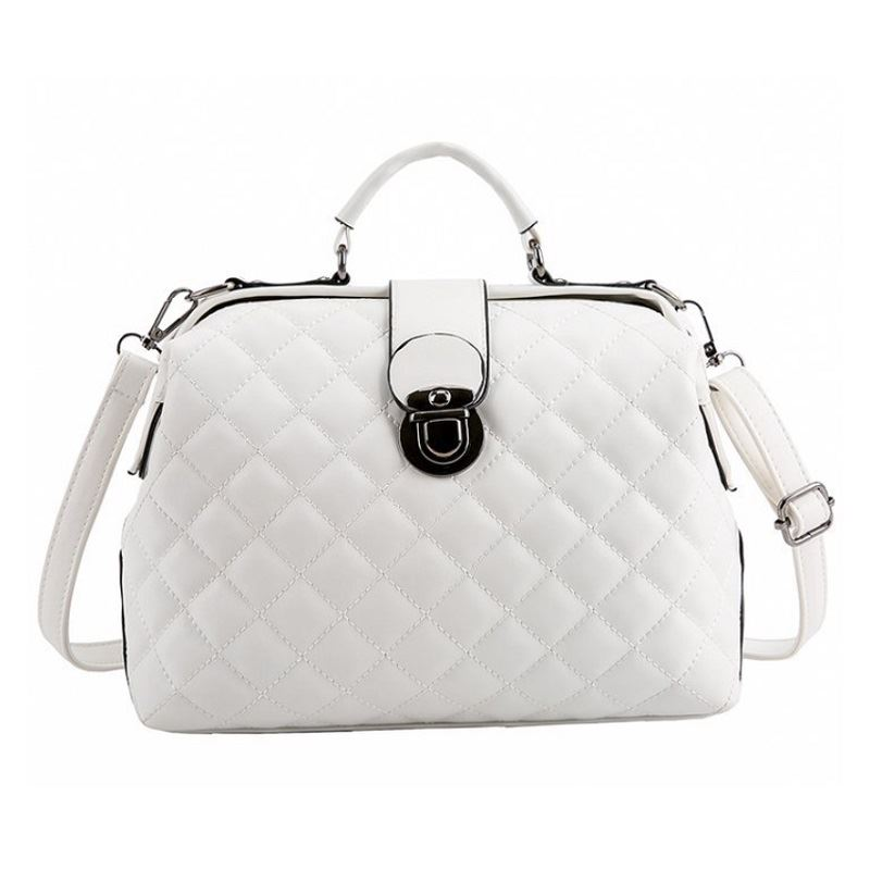B010 IDR.188.000 MATERIAL PU SIZE L27XH21XW12CM WEIGHT 700GR COLOR WHITE