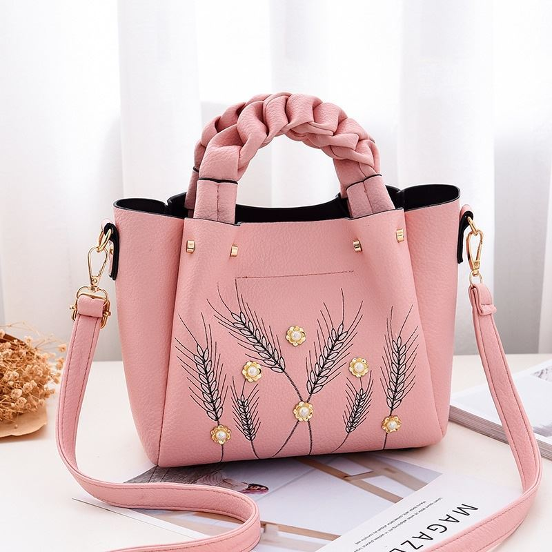B01872 JKT IDR.180.000 MATERIAL PU SIZE L27XH21XW12CM WEIGHT 750GR COLOR PINK