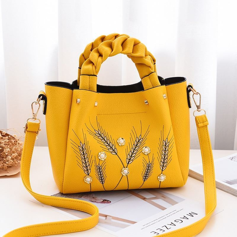 B01872 JKT IDR.180.000 MATERIAL PU SIZE L27XH21XW12CM WEIGHT 750GR COLOR YELLOW
