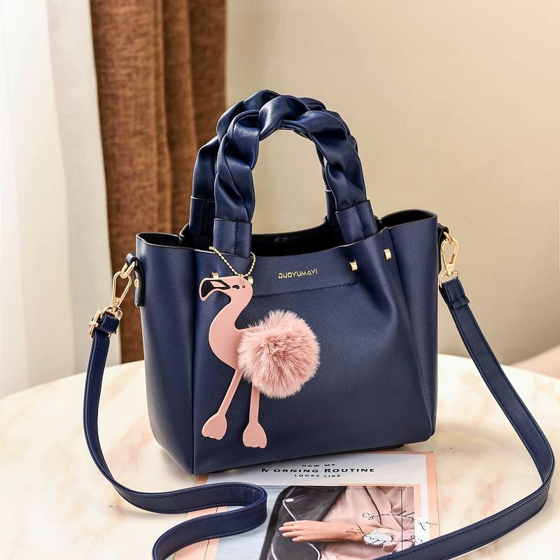 B0197 JKT IDR.177.000 MATERIAL PU SIZE L23XH20XW12CM WEIGHT 750GR COLOR BLUE