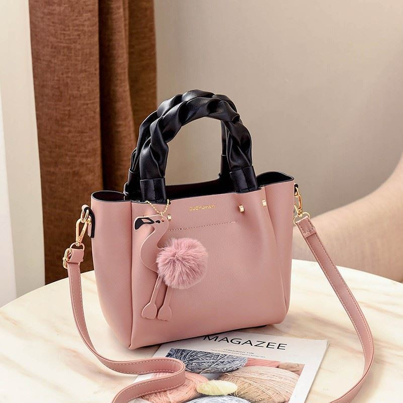 B0197 JKT IDR.177.000 MATERIAL PU SIZE L23XH20XW12CM WEIGHT 750GR COLOR PINK