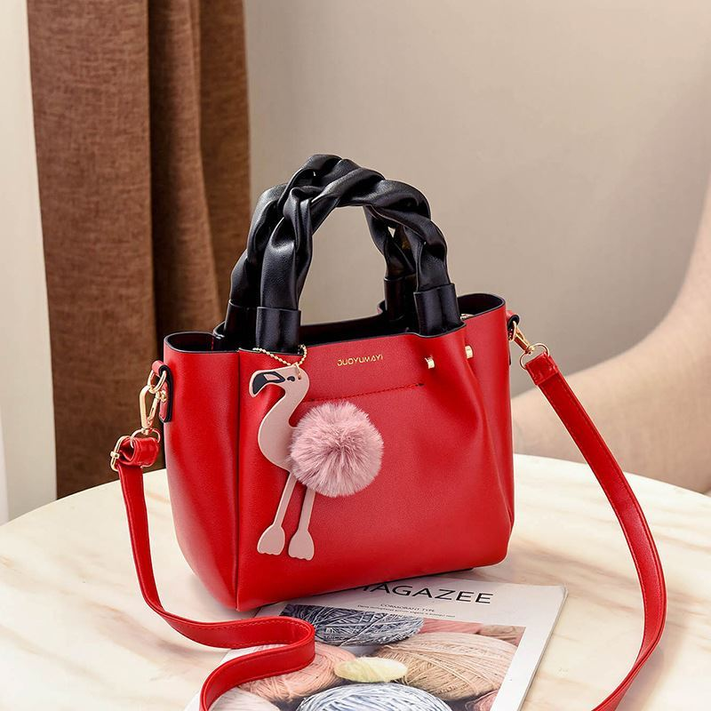 B0197 JKT IDR.177.000 MATERIAL PU SIZE L23XH20XW12CM WEIGHT 750GR COLOR RED