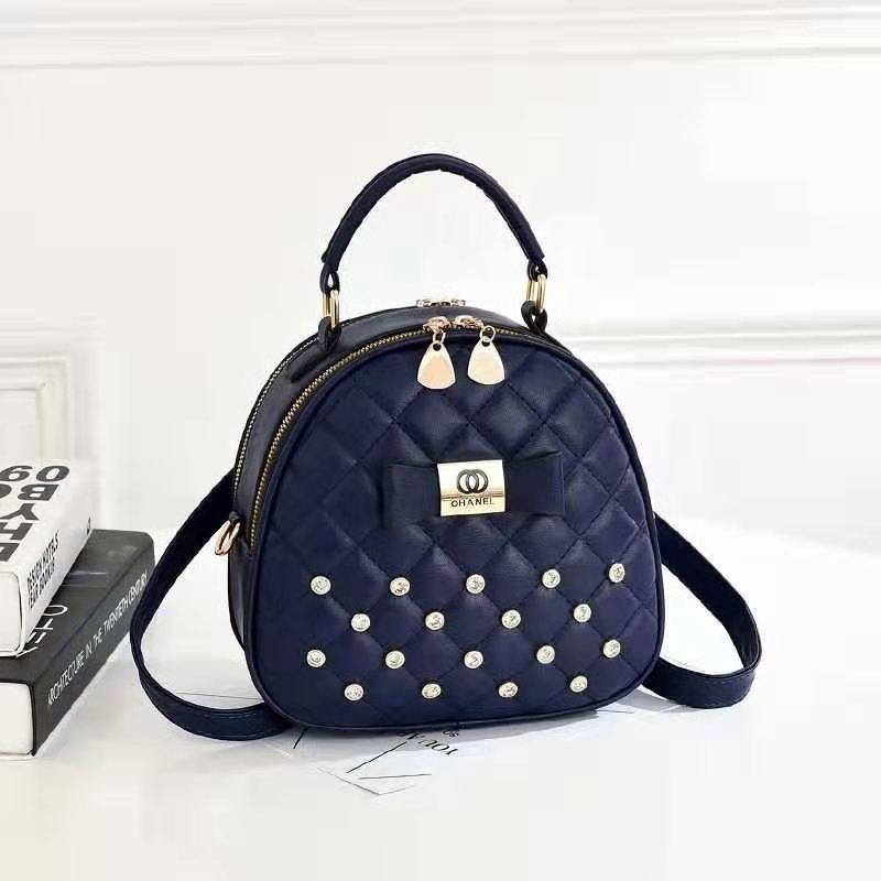 B0219 JKT IDR.168.000 MATERIAL PU SIZE L22XH19.5XW11CM WEIGHT 650GR COLOR BLUE
