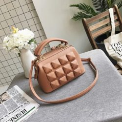 B033 IDR.178.000 MATERIAL PU SIZE L23XH17XW12CM WEIGHT 750GR COLOR PINK