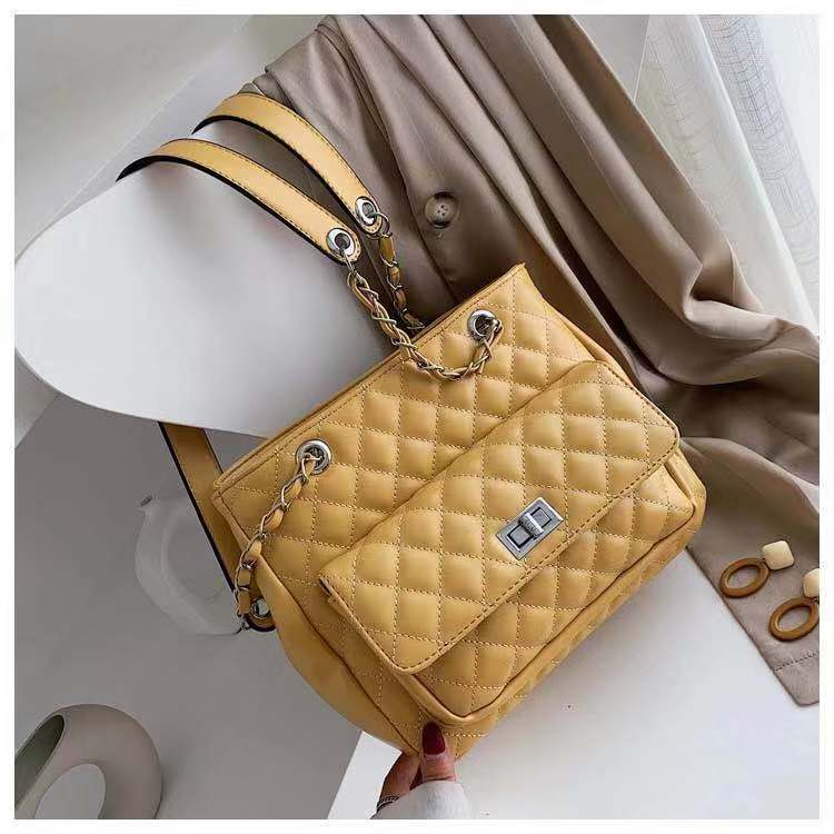 B05236 JKT IDR.188.000 MATERIAL PU SIZE L27XH22.5XW11CM WEIGHT 750GR COLOR YELLOW