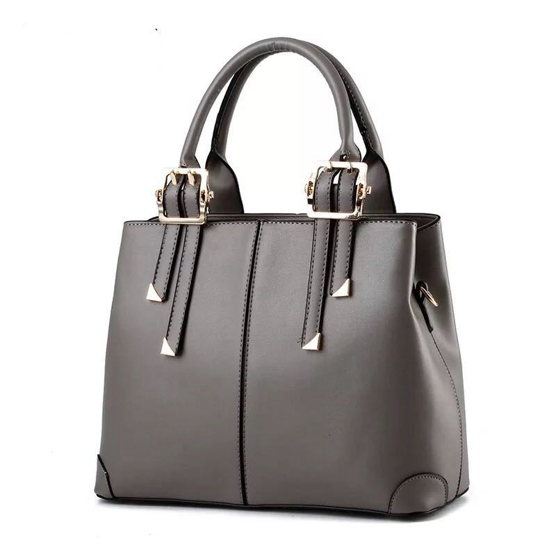 B0618 JKT IDR.180.000 MATERIAL PU SIZE L32XH25XW12CM WEIGHT 700GR COLOR GRAY