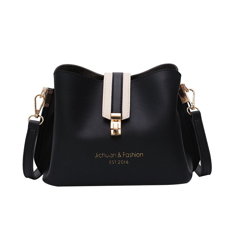 B07346 JKT IDR.154.000 MATERIAL PU SIZE L22.5XH17.5XW12CM WEIGHT 500GR COLOR BLACK