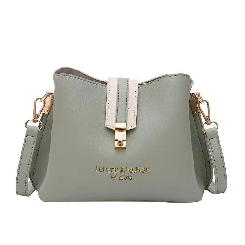 B07346 JKT IDR.154.000 MATERIAL PU SIZE L22.5XH17.5XW12CM WEIGHT 500GR COLOR GREEN