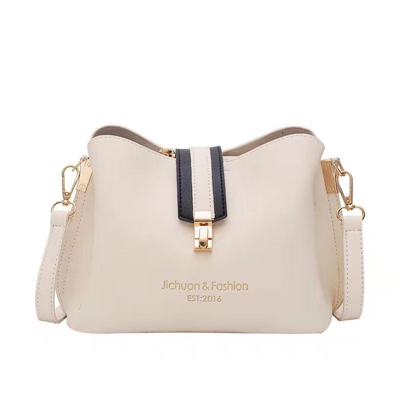 B07346 JKT IDR.154.000 MATERIAL PU SIZE L22.5XH17.5XW12CM WEIGHT 500GR COLOR WHITE