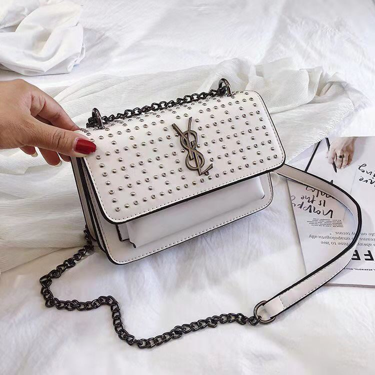 B07448 JKT IDR.172.000 MATERIAL PU SIZE L20.5XH14XW7.5CM WEIGHT 650GR COLOR WHITE