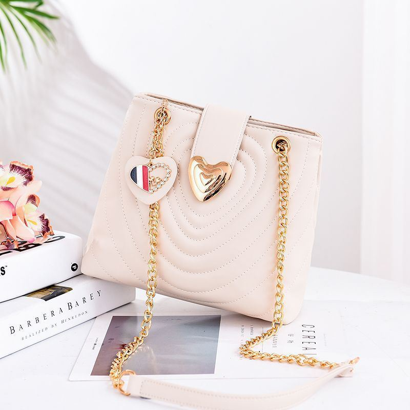B0808 JKT IDR.166.000 MATERIAL PU SIZE L24.5XH22XW11.5CM WEIGHT 600GR COLOR BEIGE