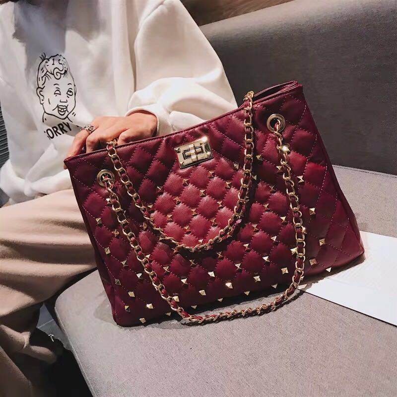 B08521 JKT IDR.187.000 MATERIAL PU SIZE L35XH25XW13CM WEIGHT 750GR COLOR WINE
