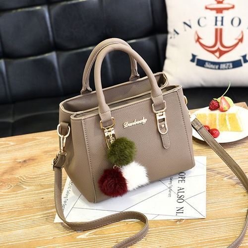 B1248 JKT IDR.173.000 MATERIAL PU SIZE L25XH18XW14CM WEIGHT 700GR COLOR KHAKI