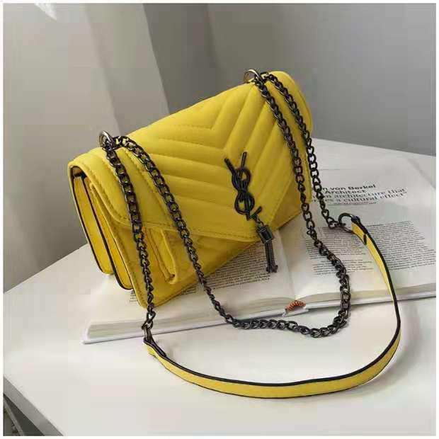 B134340 IDR.144.000 MATERIAL PU SIZE L23.5XH15XW9CM WEIGHT 550GR COLOR YELLOW