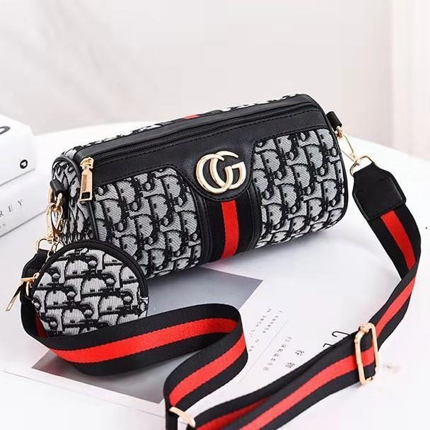 B161 (2IN1) JKT IDR.155.000 MATERIAL PU SIZE L24XH13XW13CM WEIGHT 350GR COLOR BLACKD