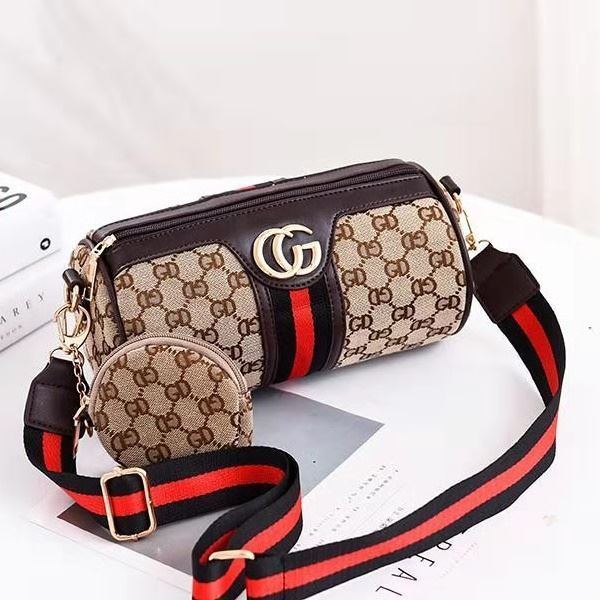 B161 (2IN1) JKT IDR.155.000 MATERIAL PU SIZE L24XH13XW13CM WEIGHT 350GR COLOR COFFEECG