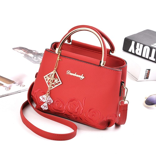 B16160 MATERIAL PU SIZE L21XH17XW11CM WEIGHT 650GR COLOR RED