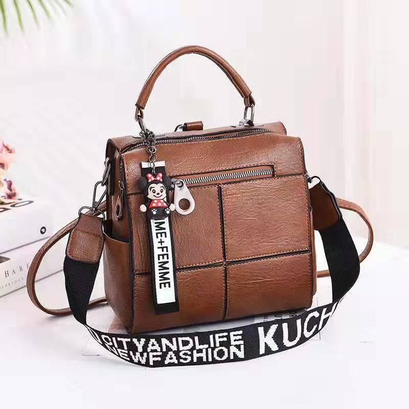 B1862 JKT IDR.175.000 MATERIAL PU SIZE L22XH22XW13CM WEIGHT 750GR COLOR KHAKI