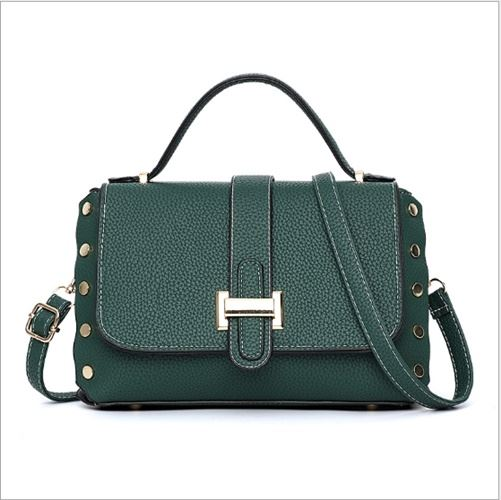 B22031 JKT IDR.165.000 MATERIAL PU SIZE L26XH16XW12CM WEIGHT 650GR COLOR GREEN