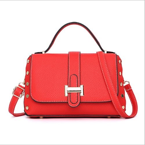B22031 JKT IDR.165.000 MATERIAL PU SIZE L26XH16XW12CM WEIGHT 650GR COLOR RED