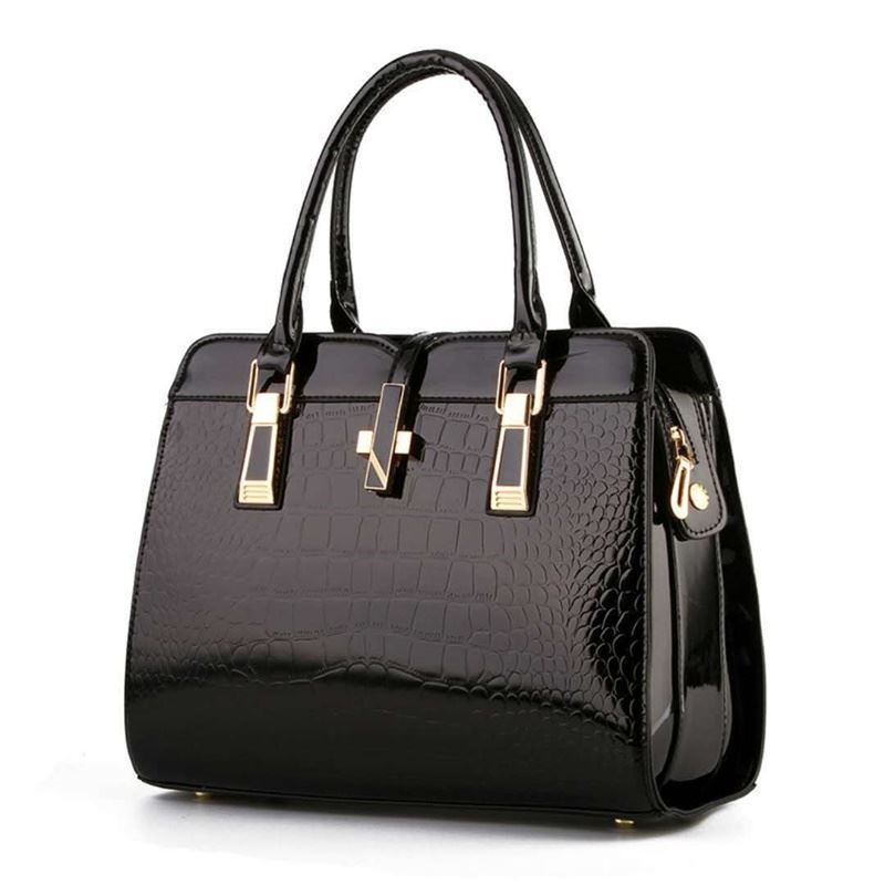 B2702 JKT IDR.212.000  MATERIAL PU SIZE L33XH25XW15CM WEIGHT 900GR COLOR BLACK