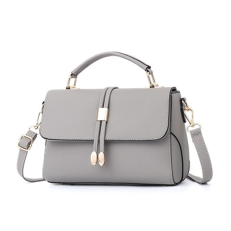 B3369 JKT IDR.167.000 MATERIAL PU SIZE L25XH16XW7CM WEIGHT 700GR COLOR GRAY