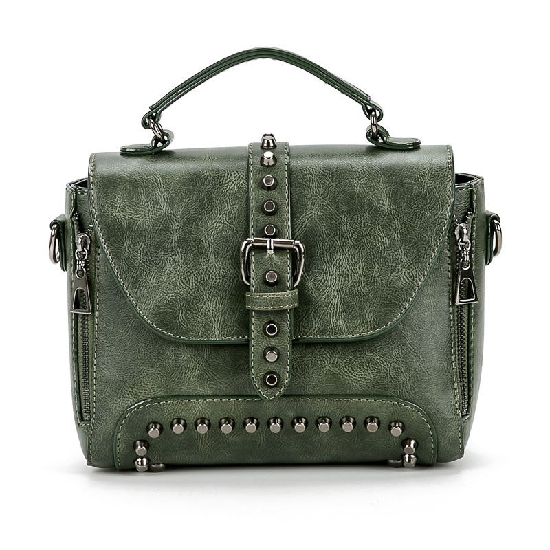 B522 JKT IDR.175.000 MATERIAL PU SIZE L25XH19XW12CM WEIGHT 850GR COLOR GREEN
