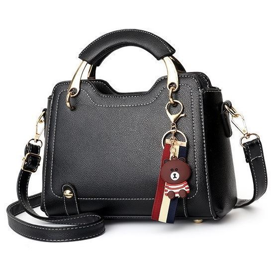 B629 JKT IDR.177.000 MATERIAL PU SIZE L22XH17XW9CM WEIGHT 650GR COLOR BLACK