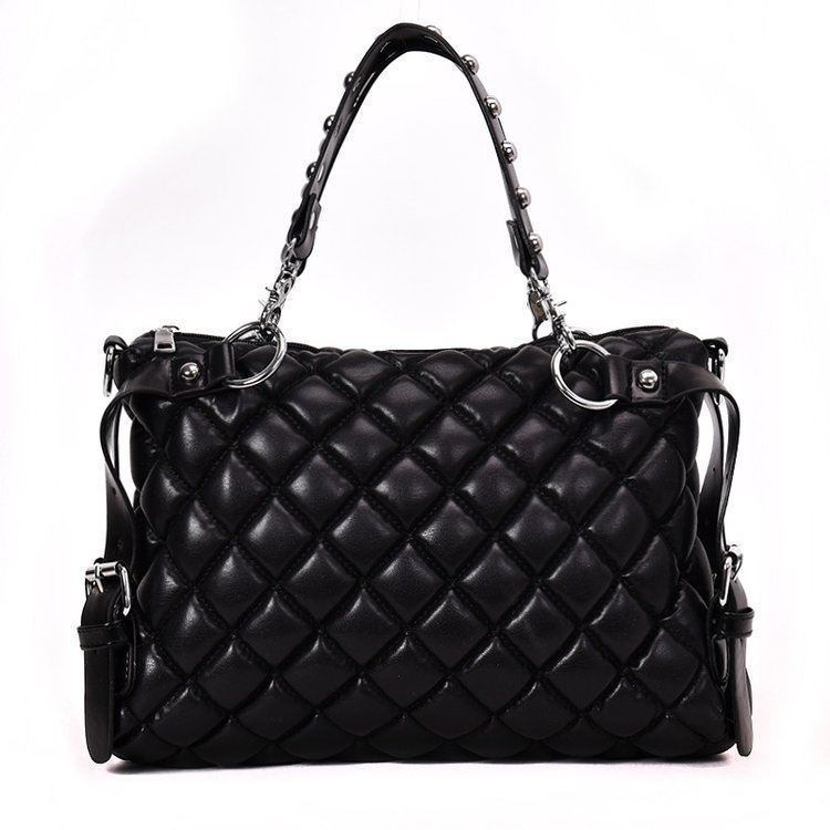 B6876 JKT IDR 185.000 MATERIAL PU SIZE L36XH23XW9CM WEIGHT 750GR COLOR BLACK