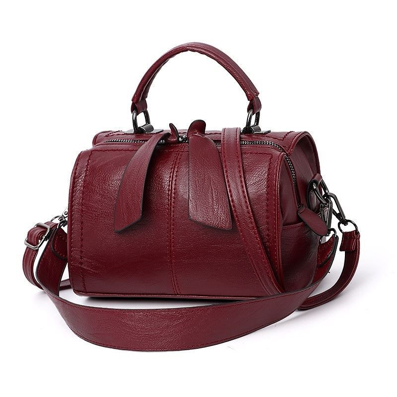 B706 JKT IDR.160.000 MATERIAL PU SIZE L22XH13XW16CM WEIGHT 600GR COLOR RED