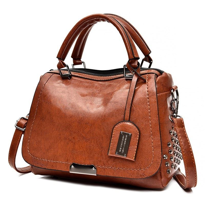 B819561 JKT IDR.170.000 MATERIAL PU SIZE L27XH19XW11CM WEIGHT 650GR COLOR BROWN