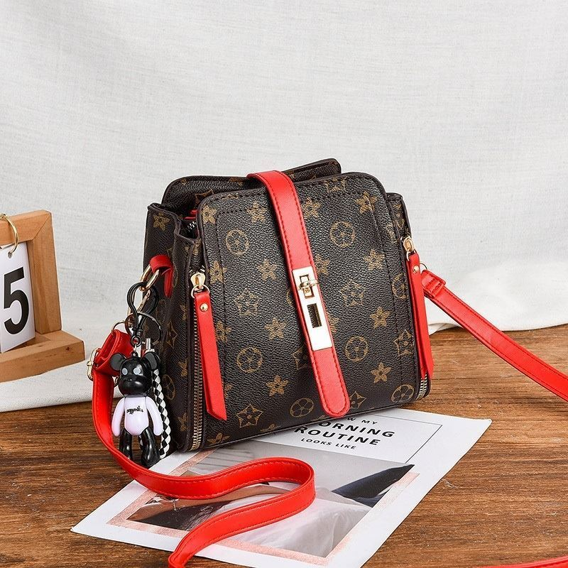 B88090 IDR.156.000 MATERIAL PU SIZE L20XH19XW10CM WEIGHT 550GR COLOR FLOWERRED