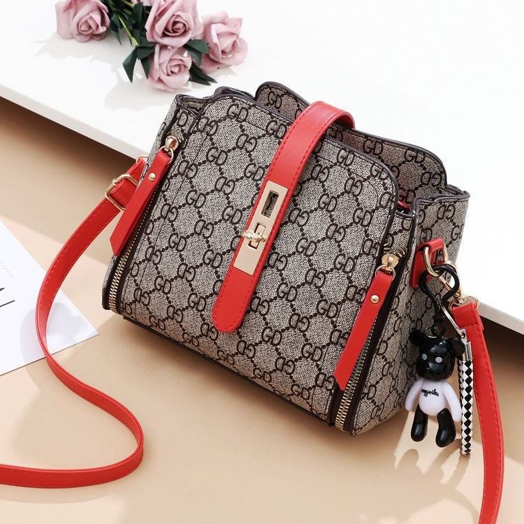 B88090 IDR.156.000 MATERIAL PU SIZE L20XH19XW10CM WEIGHT 550GR COLOR GDRED