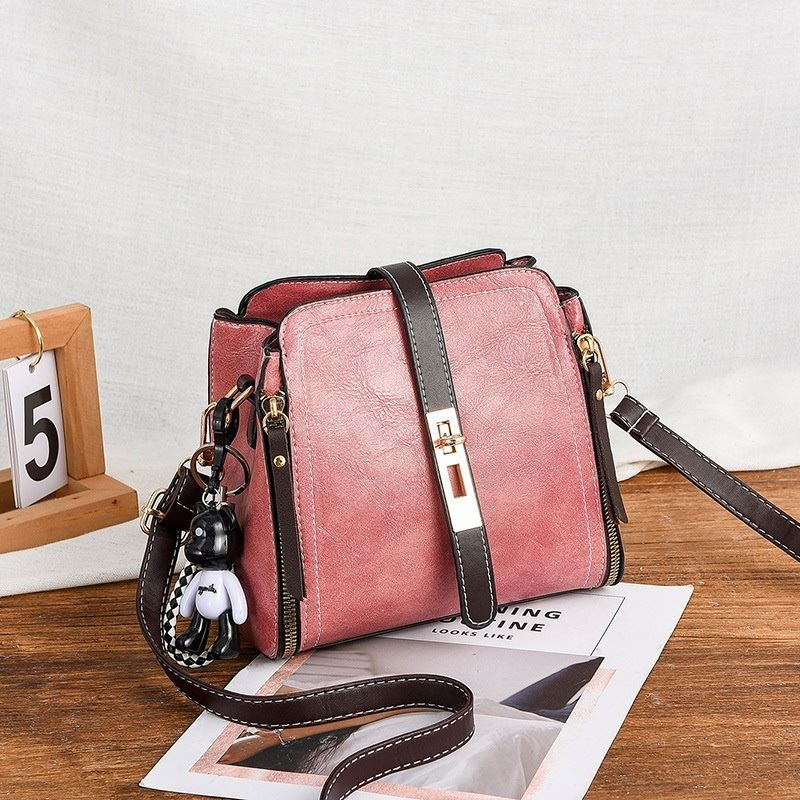 B88090 JKT IDR.156.000 MATERIAL PU SIZE L20XH19XW10CM WEIGHT 550GR COLOR PINK