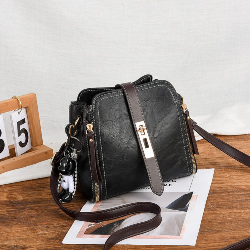 B88090-black Tas Pesta Elegan Gantungan Black Bear Import