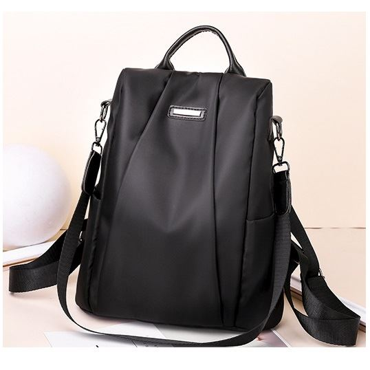 B8816 JKT IDR.159.000 MATERIAL NYLON SIZE L29XH32XW12.5CM WEIGHT 450GR COLOR BLACK