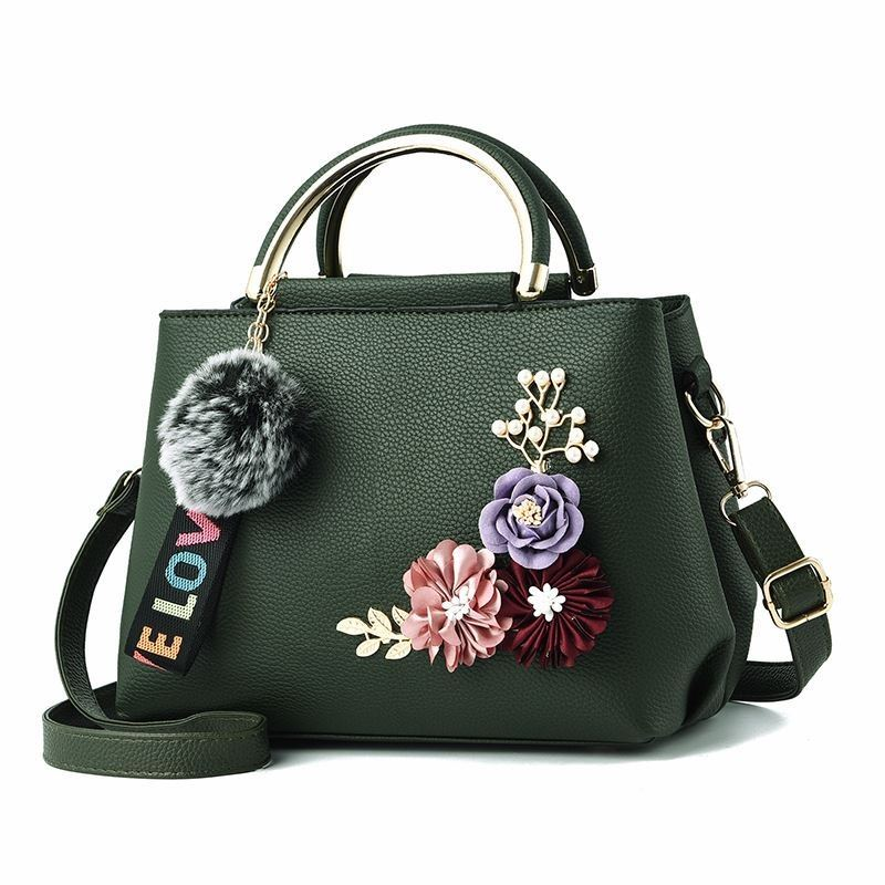 B8859 JKT IDR.167.000 MATERIAL PU SIZE L24XH18XW12CM WEIGHT 650GR COLOR GREEN