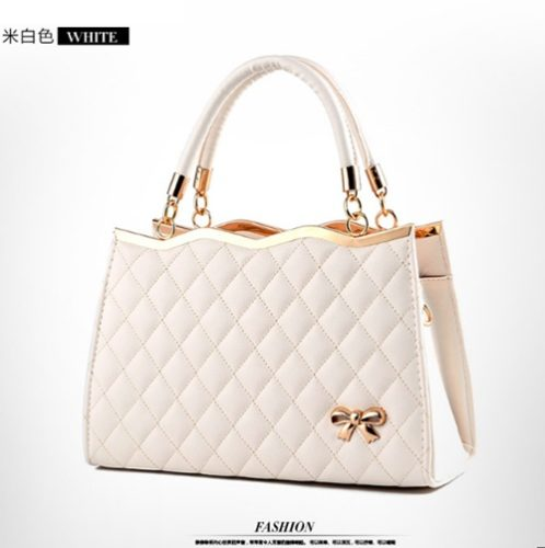 B9360 IDR.132.000 MATERIAL PU SIZE L30XH20XW11CM WEIGHT 750GR COLOR WHITE