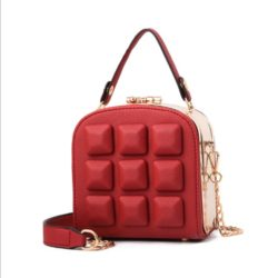 B98876 IDR.180.000 MATERIAL PU SIZE L15.5XH16XW8.5CM WEIGHT 800GR COLOR WINE