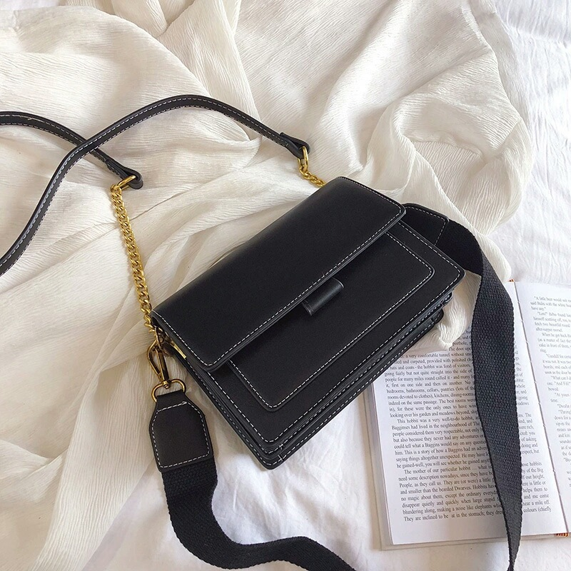 BTH02139 IDR.68.000 MATERIAL PU SIZE L19.5XH15XW6CM WEIGHT 480GR COLOR BLACK