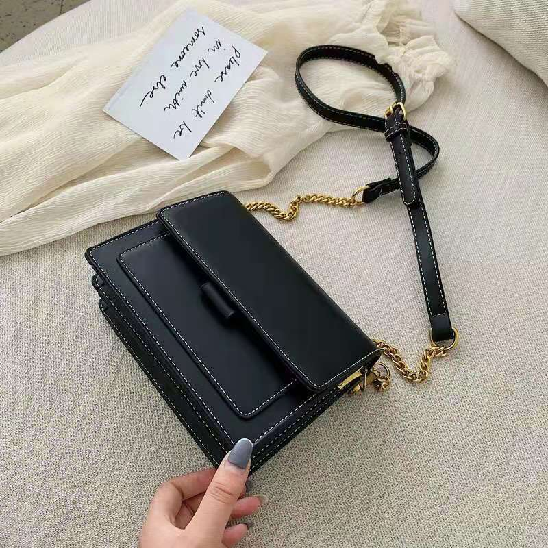 BTH02139 JKT IDR.68.000 MATERIAL PU SIZE L20XH15XW8CM WEIGHT 650GR COLOR BLACK