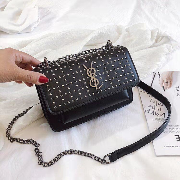 BTH07448 JKT IDR.75.000 MATERIAL PU SIZE L20.5XH14XW7.5CM WEIGHT 650GR COLOR BLACK
