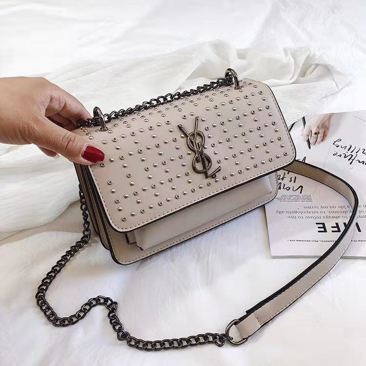BTH07448 JKT IDR.75.000 MATERIAL PU SIZE L20.5XH14XW7.5CM WEIGHT 650GR COLOR KHAKI