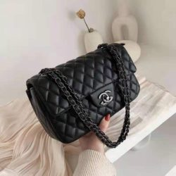 BTH11000B MATERIAL PU SIZE L27XH16.5XW9CM WEIGHT 650GR COLOR BLACK